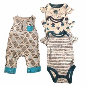Lamaze organic bundle of 4 blue onesies